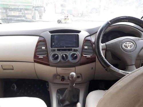 Toyota Innova 2.5 G 8 STR BS-III, 2011, Diesel MT in Patna