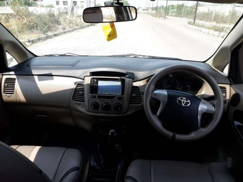 Toyota Innova 2.5 G 8 STR BS-IV, 2016, Diesel MT in Hyderabad