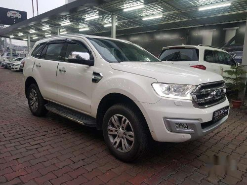 Ford Endeavour 3.2 Titanium Automatic 4x4, 2016, Diesel AT in Lucknow-8