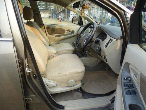 2014 Toyota Innova 2.5 GX (Diesel) 7 Seater MT in Kolkata