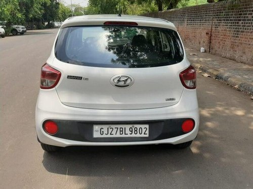 Hyundai i10 Magna 2017 MT for sale in Ahmedabad