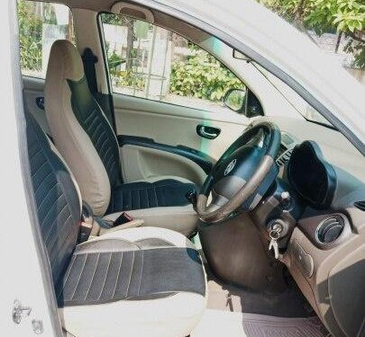 Hyundai i10 Magna 1.1 2012 MT for sale in Ahmedabad