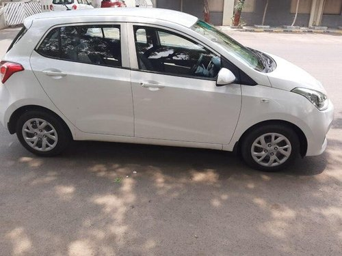 Hyundai i10 Magna 2017 MT for sale in Ahmedabad-2