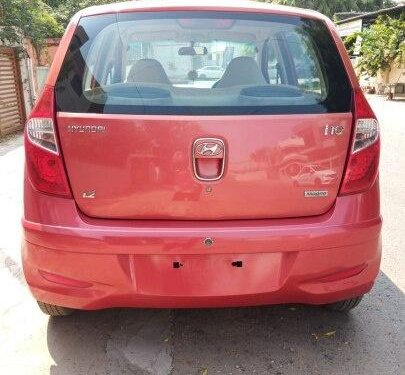Hyundai i10 Magna 2011 MT for sale in Ahmedabad