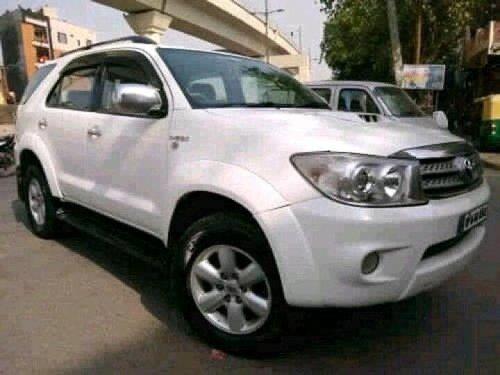 Toyota Fortuner 3.0 Diesel 2010 MT for sale in New Delhi