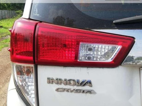 Used 2016 Toyota Innova MT for sale in Aurangabad -10