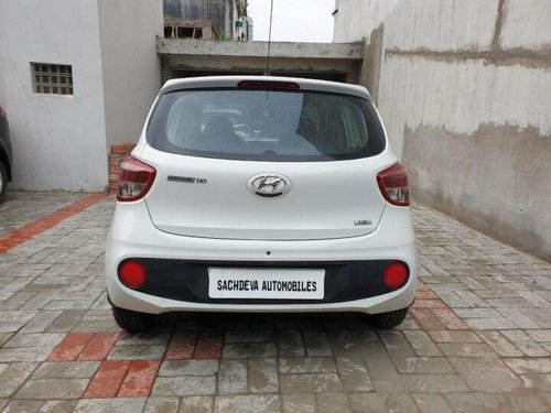 Used Hyundai Grand i10 Magna 2017 MT for sale in Indore