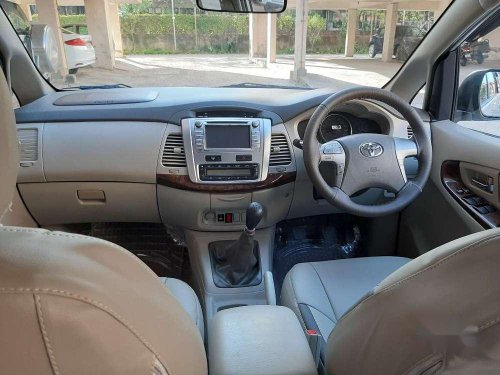 Used Toyota Innova 2013 MT for sale in Chandigarh