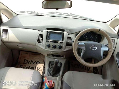 Toyota Innova 2.5 G4 8 STR, 2014, Diesel MT in Coimbatore