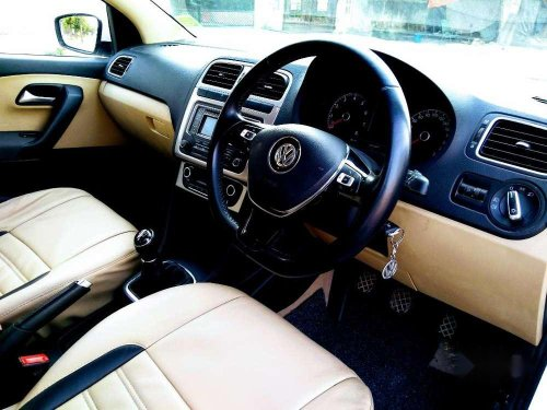 Volkswagen Polo Highline plus, 2015, Petrol MT in Lucknow