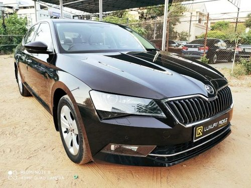 Used 2017 Skoda Superb AT for sale in Hyderabad
