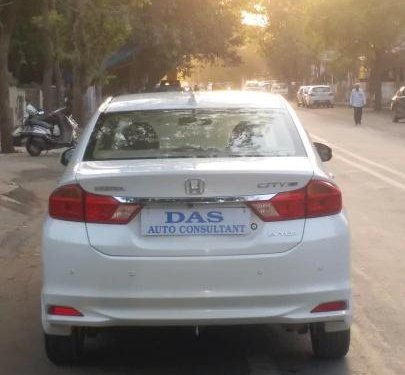 Used 2016 Honda City 1.5 V MT for sale in Ahmedabad -4