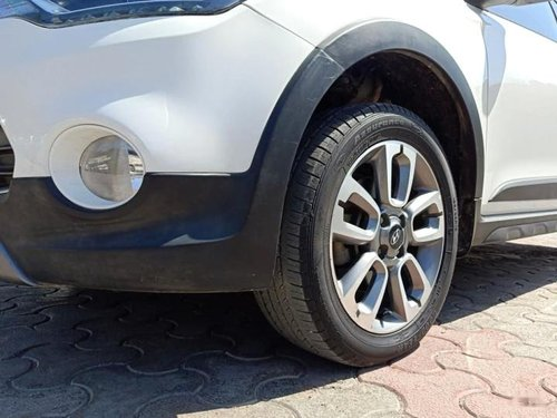 Used Hyundai i20 Active 1.2 SX with AVN 2015 MT in New Delhi