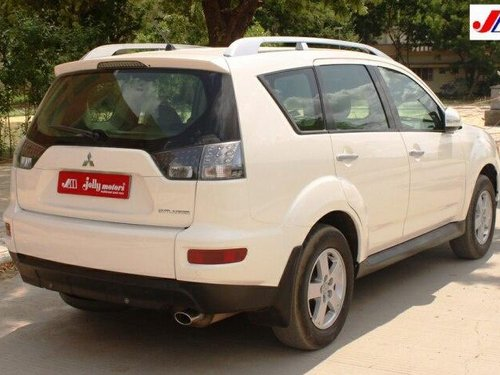 Used 2010 Mitsubishi Outlander 2.4 AT in Ahmedabad