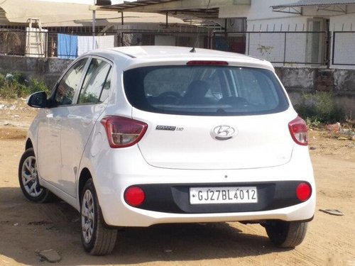 Used 2017 Hyundai Grand i10 MT for sale in Ahmedabad