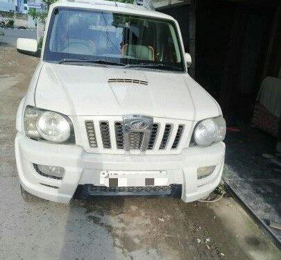 Mahindra Scorpio SLE 7S BSIV 2011 MT for sale in Kolkata