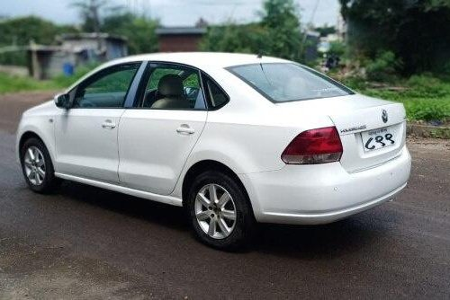Volkswagen Vento 1.6 Highline 2011 MT for sale in Pune-5