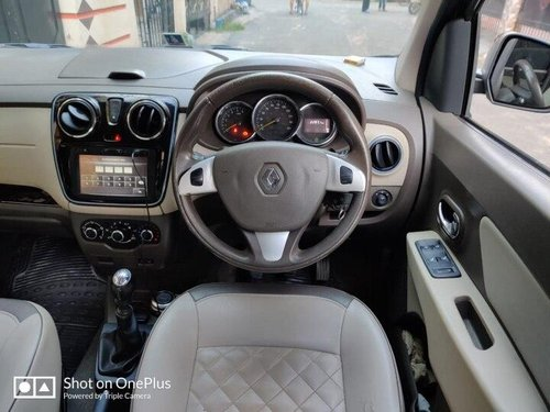 Renault Lodgy Stepway 110PS RXZ 7S 2015 MT for sale in Kolkata