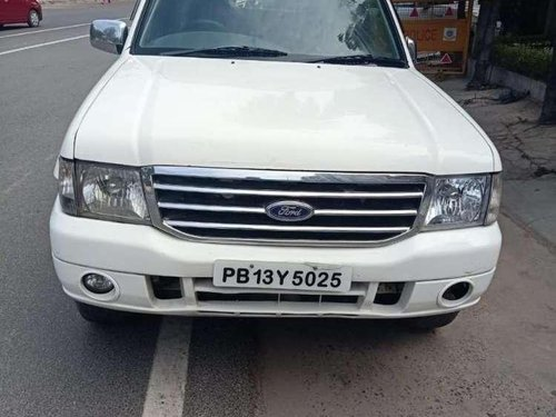 Ford Endeavour XLT 4X2, 2011, Diesel MT for sale in Rajpura