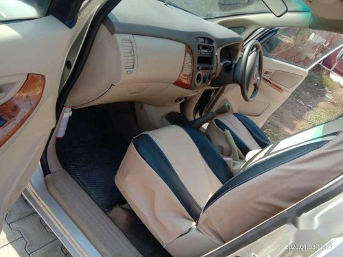 Used Toyota Innova 2.5 E 7 STR, 2006 MT for sale in Rajpura