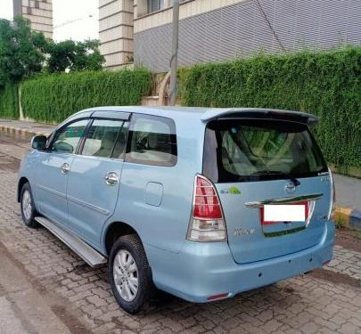 Used 2011 Toyota Innova MT for sale in Mumbai-12