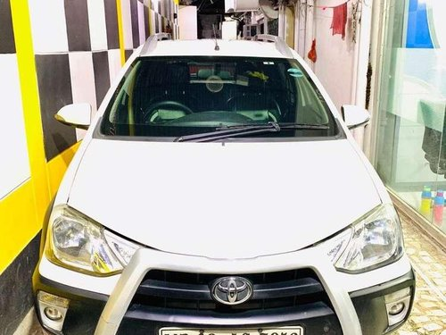 Toyota Etios Cross 1.5 V, 2015, Petrol MT in Kolkata