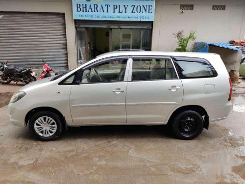Toyota Innova 2006 MT for sale in Hyderabad