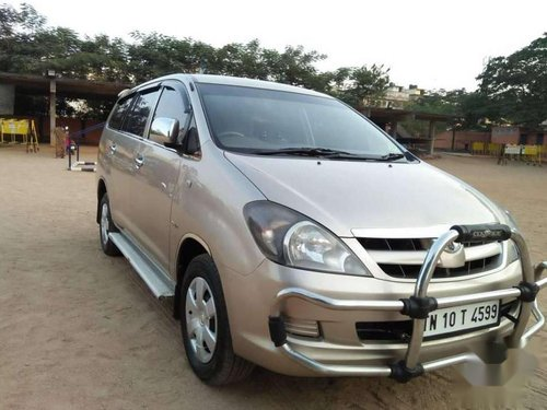 Toyota Innova 2.0 G 8 STR BS-IV, 2007, Diesel MT in Chennai