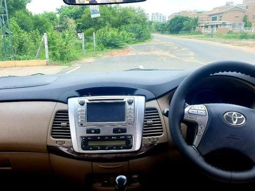Toyota Innova 2.5 V 7 STR, 2016, Diesel MT in Ahmedabad