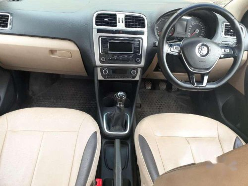 Volkswagen Polo Highline Diesel, 2015, Diesel MT in Chennai