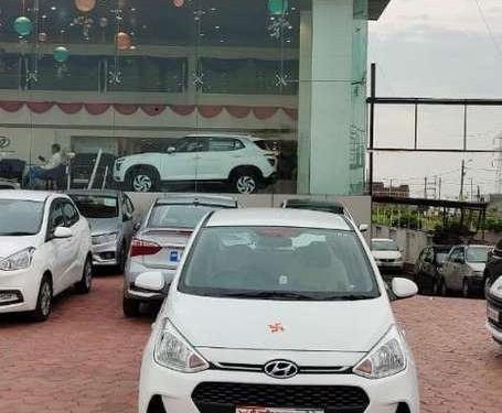 Hyundai Grand i10 Sportz 2017 MT for sale in Ujjain