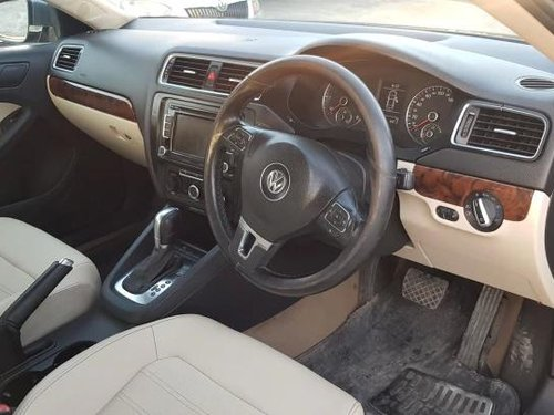 2012 Volkswagen Jetta 2013-2015 2.0L TDI Highline AT in Pune-4