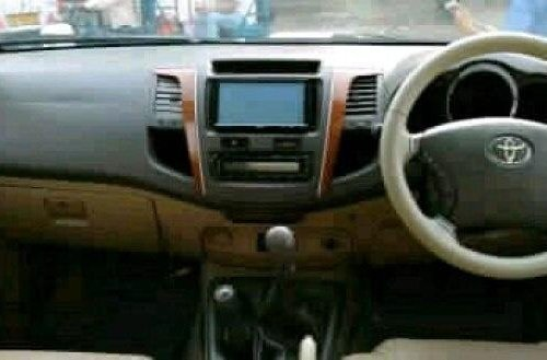 Used 2010 Toyota Fortuner 4x4 MT in New Delhi-0