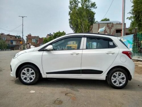 Used 2015 Hyundai i10 Sportz MT for sale in New Delhi-10