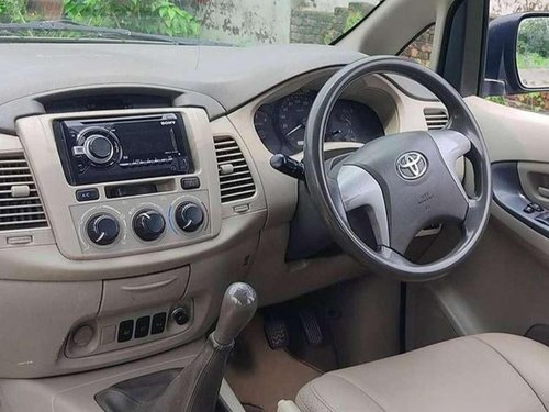 2013 Toyota Innova MT for sale in Saharanpur