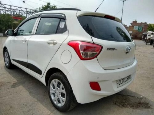 Used 2015 Hyundai i10 Sportz MT for sale in New Delhi-3