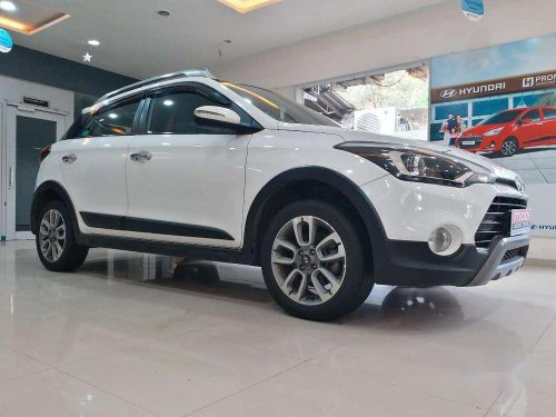 Used 2016 Hyundai i20 Active MT for sale in Goregaon