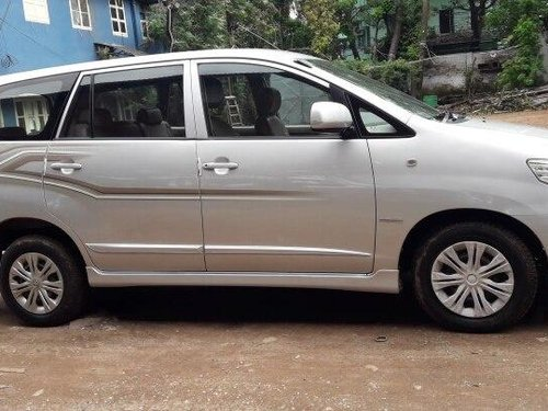 Used Toyota Innova 2014 MT for sale in Kolkata-5