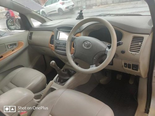Toyota Innova 2011 MT for sale in Pune