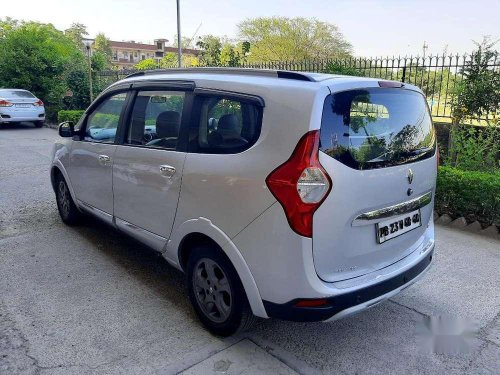 Renault Lodgy 110 PS RXZ 7 STR, 2016, AT for sale in Chandigarh