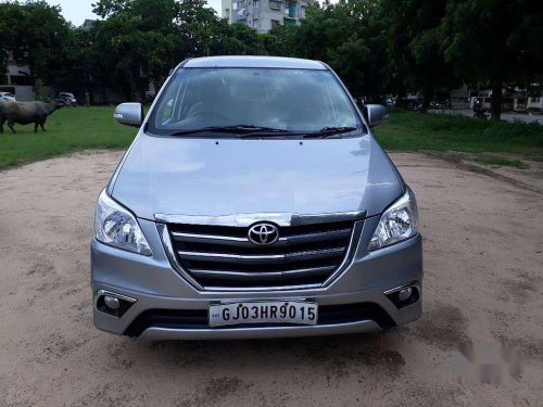 Used 2015 Toyota Innova MT for sale in Ahmedabad -17