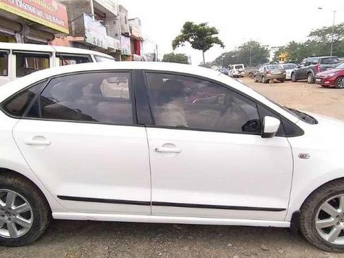 Volkswagen Polo Highline Diesel, 2015, Diesel MT for sale in Chennai-2