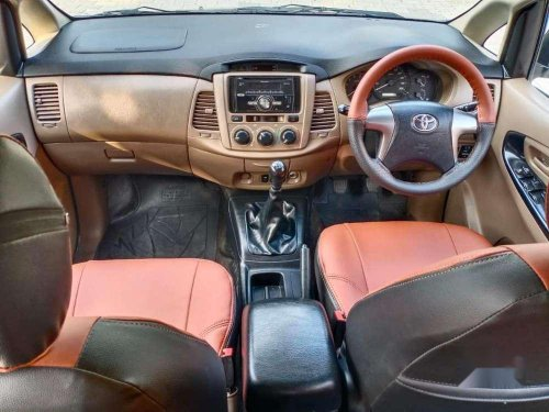 Toyota Innova 2.0 GX 8 STR 2015 MT for sale in Thrissur-2