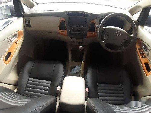 Toyota Innova 2.5 V 8 STR, 2009, Diesel MT for sale in Chennai