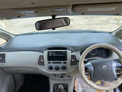Toyota Innova 2.5 GX 8 STR 2012 MT for sale in Ahmedabad