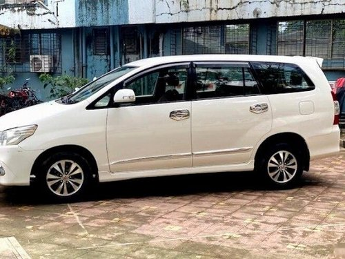 Toyota Innova 2.5 VX (Diesel) 8 Seater 2015 MT for sale in Mumbai-7