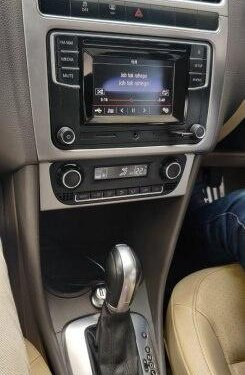 Volkswagen Vento 1.6 Highline 2016 MT for sale in Surat