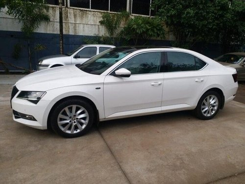 Used 2016 Skoda Superb AT for sale in Pune