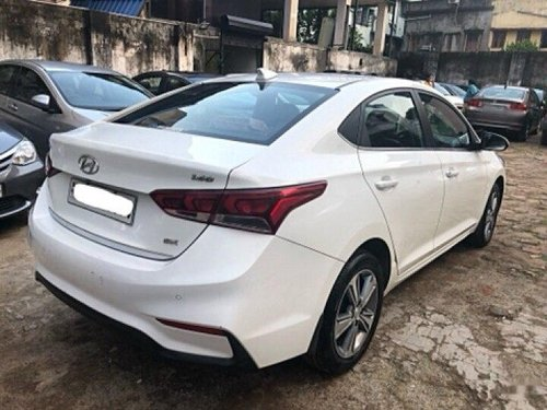 Hyundai Verna 1.6 CRDi SX 2019 MT for sale in Kolkata -6