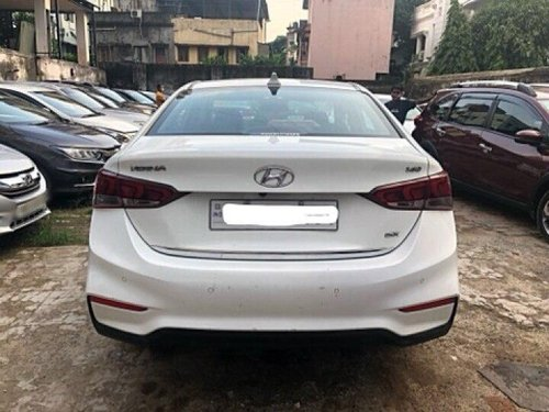 Hyundai Verna 1.6 CRDi SX 2019 MT for sale in Kolkata -8